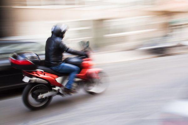 Coursier Moto Paris Île-de-France (75000)